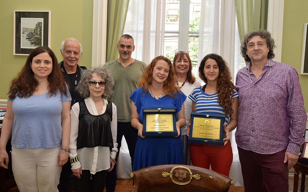 Se hizo entrega del premio Argentores a mejor guion a las autoras de dos cortometrajes